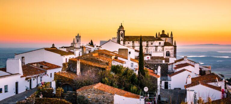Bautasten og megalitcirkler ved Evora samt Portugals mest autentiske by Monsaraz