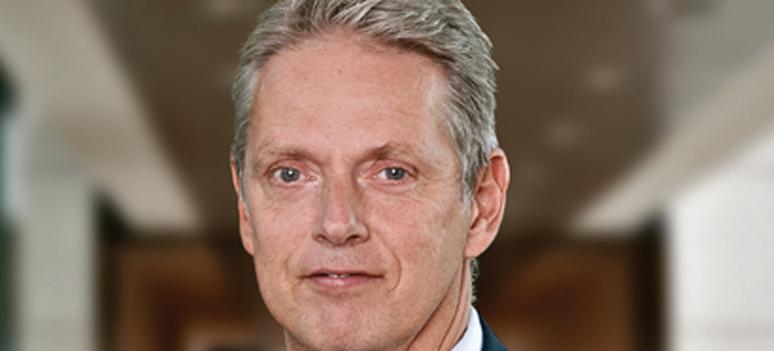 Helge J  Pedersen