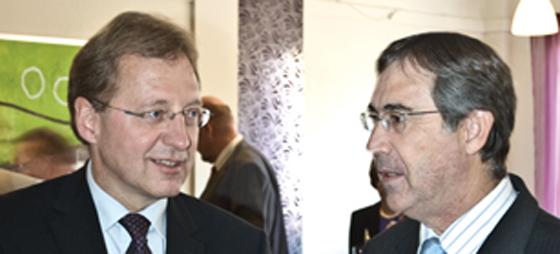 Ambassadør Lars Thuesen i samtale med borgmester i Mijas Antonio Sánchez