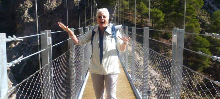 Den nye hængebro over Río Almanchares
