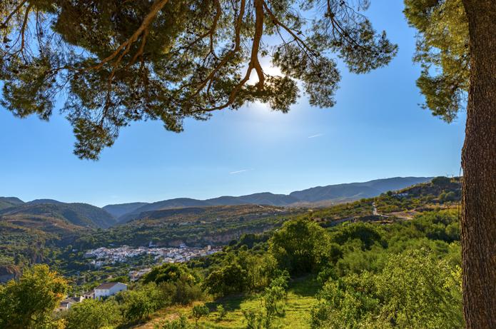 Til fods tværs gennem naturparken Sierras de Almijara, Tejeda y Alhama