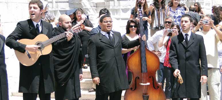 por lissabon Lissabon Musicians Outside Mosteiro dos Jeronimos