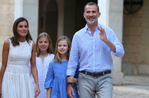 Spansk kongefamilie åbner ny udstilling i Alhambra