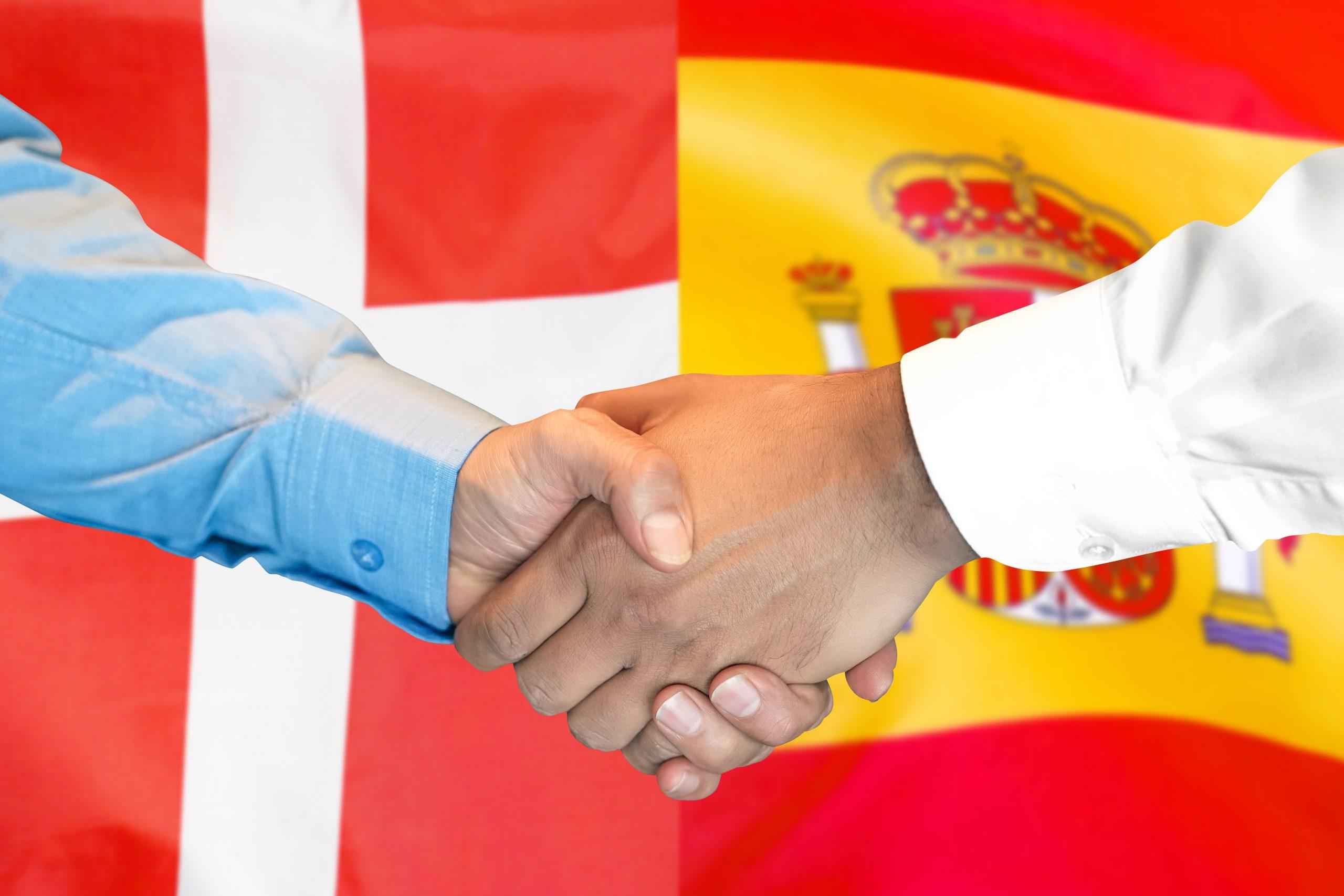 Danske og spanske skatteeksperter adviserer: Skattevæsenet skruer bissen på…
