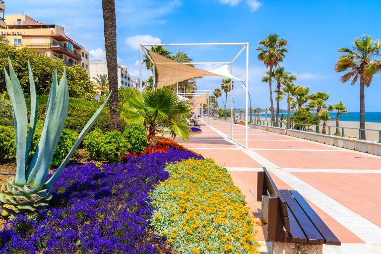 Esteponas strandpromenade er nu 90% færdig