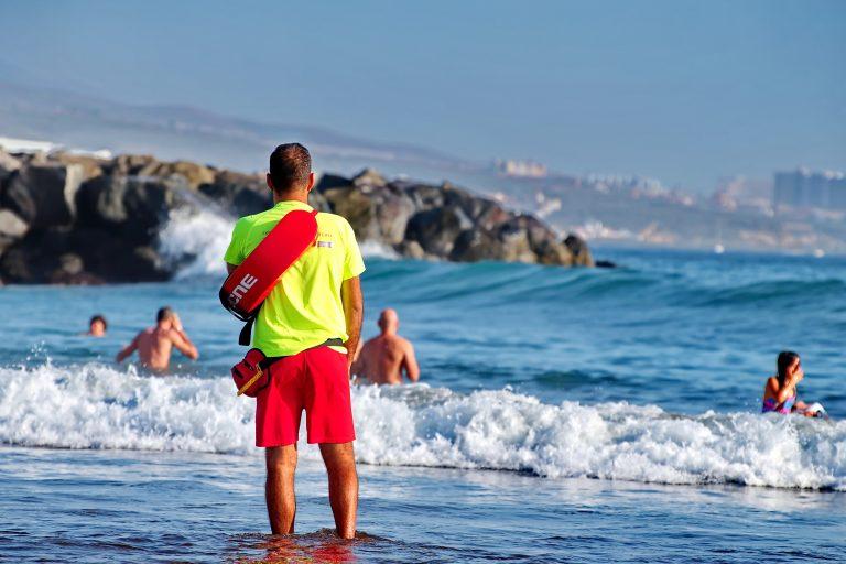 8 badegæster reddet i Marbella