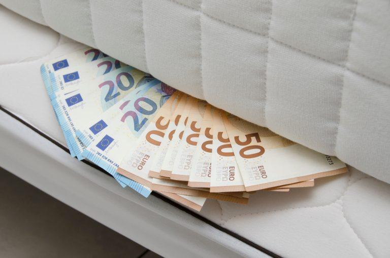 """Pas på med """"kontanter under madrassen"""""""