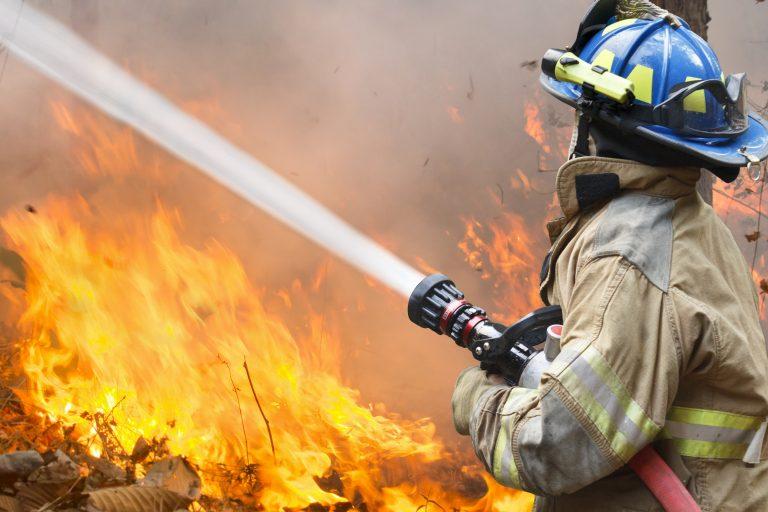 Endelig et lille håb om at stoppe skovbranden